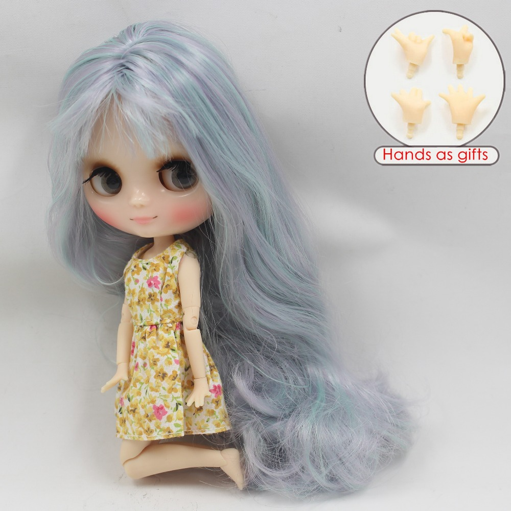 Middie Blythe Doll with Grey Hair, Tilting-Head & Jointed Body 2