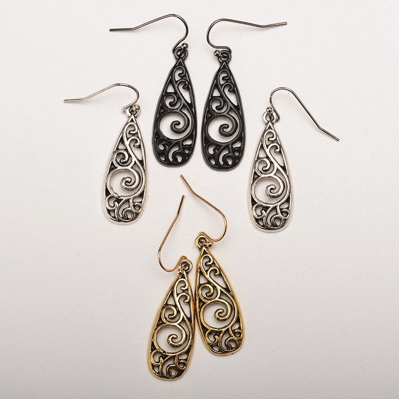 Vintage metal carved palace ladies earrings ethnic style openwork pattern exquisite simple long statement