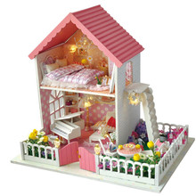 Cute Families House DIY Wooden Dollhouse Dolls Secret Garden Creative Birthday Gift Toys for Girls Juguetes Brinquedos