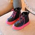 2016 Otoño Invierno Nueva Niñas Niños Botas de Martin Botas de Moda Botas de Microfibra Especial Lacce-Up Zapatos Niños Zapatos C48