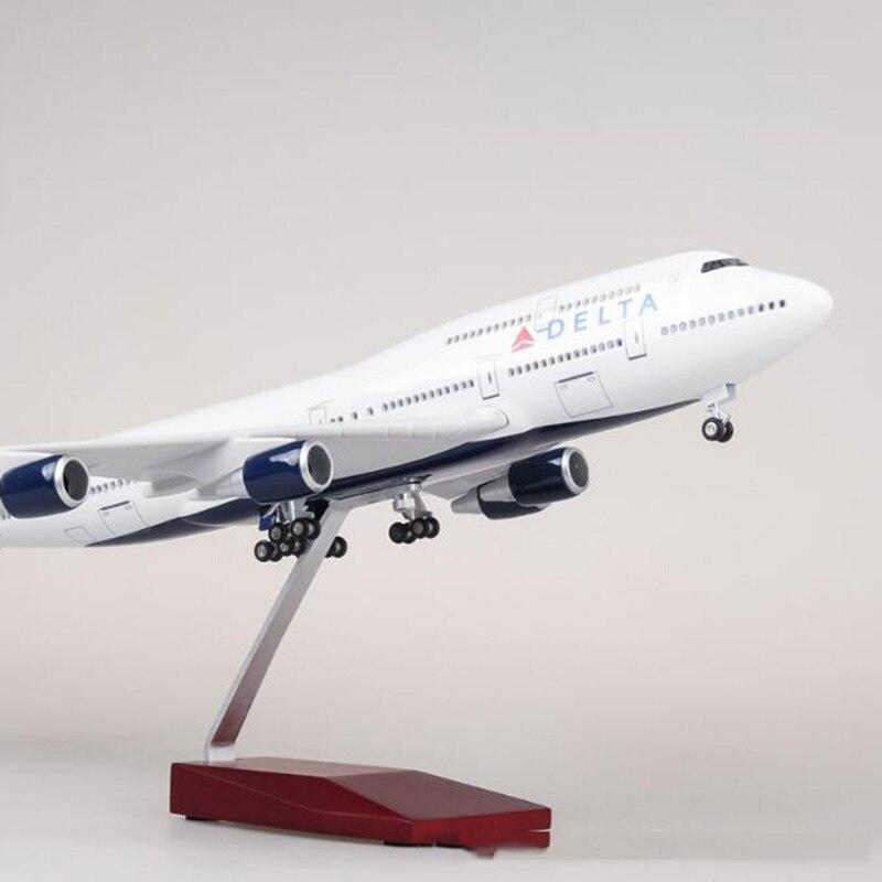 1/150 échelle 47 cm avion Boeing B747 avion DELTA modèle de la compagnie aérienne W lumière et roue moulé sous pression en plastique résine avion pour Collection