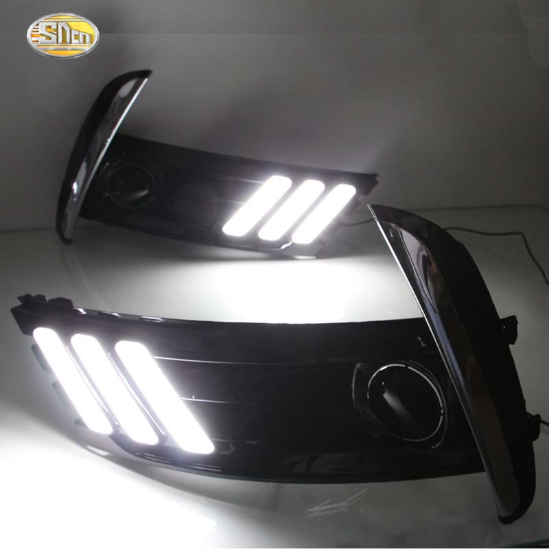 Led Daytime running lights for Toyota Corolla 2016 2017 Euro Day light fog lamp cover DRL with yellow turning signal function