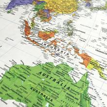 1 Uds lienzo Vintage mapa del mundo de la bandera del país pintura al óleo retro 100x68cm Bandera Nacional póster tamaño decoración de la pared