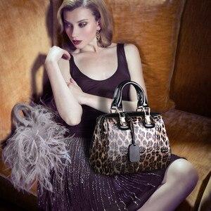 Image 1 - אופנה נמר דפוס אמיתי עור נשים תיקי \ תיק עור פרה גדול תיק כתף תיק נשי שליח תיק מותג