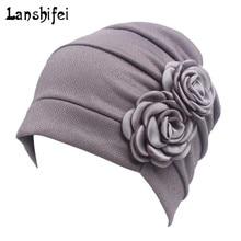 Mujeres modelo de flor grande cabeza bufanda gorro de quimioterapia estilo  occidental volante cáncer quimio sombrero b3afeb24d81