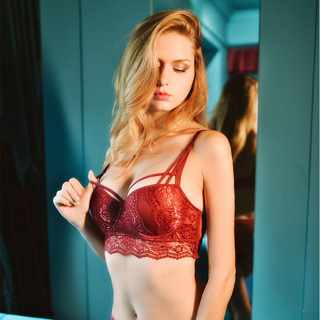 Sexy lace bra with small breasts and a red biennial bra on the side 4