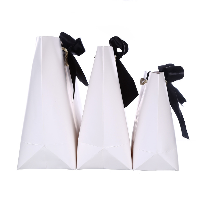 Wholesale 500PCS/Lot High quality Customized logo paper shopping bag logo with Ribbon handle/cloth/jewelry tote bag