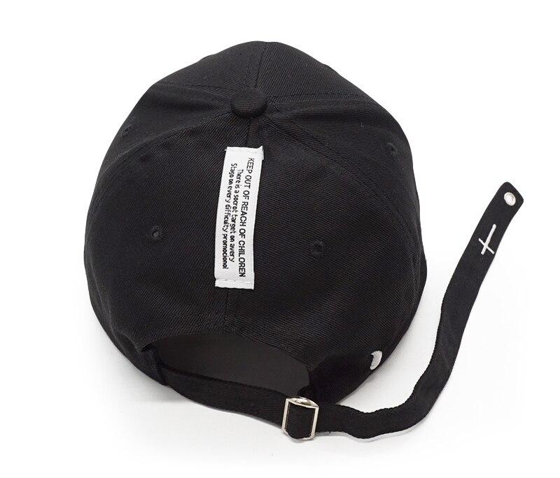 black snapback hat DSC02350