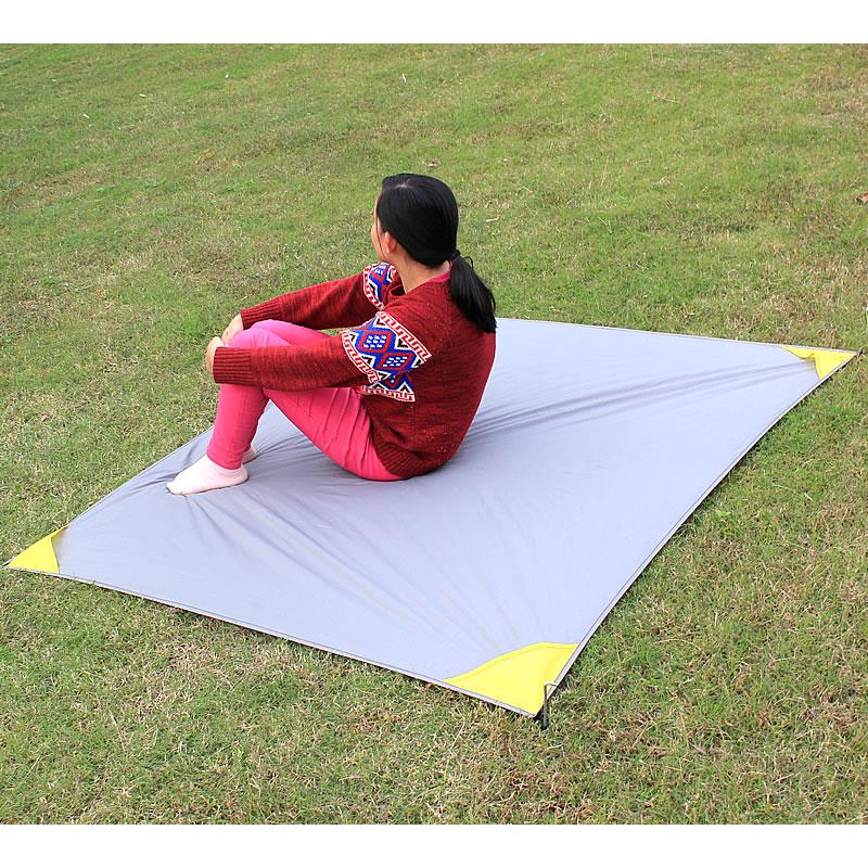 152*140cm Portable Mini Folding Pocket Blanket Camping Waterproof Picnic Mat Multifunction Outdoor Beach Mat Crawling Mat