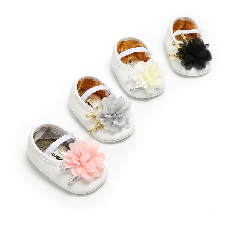Spring / Autumn Baby Shoes Flower/Bow Moccasins Newborn Girls Booties For Newborn 3 Color Available 0-18 Months
