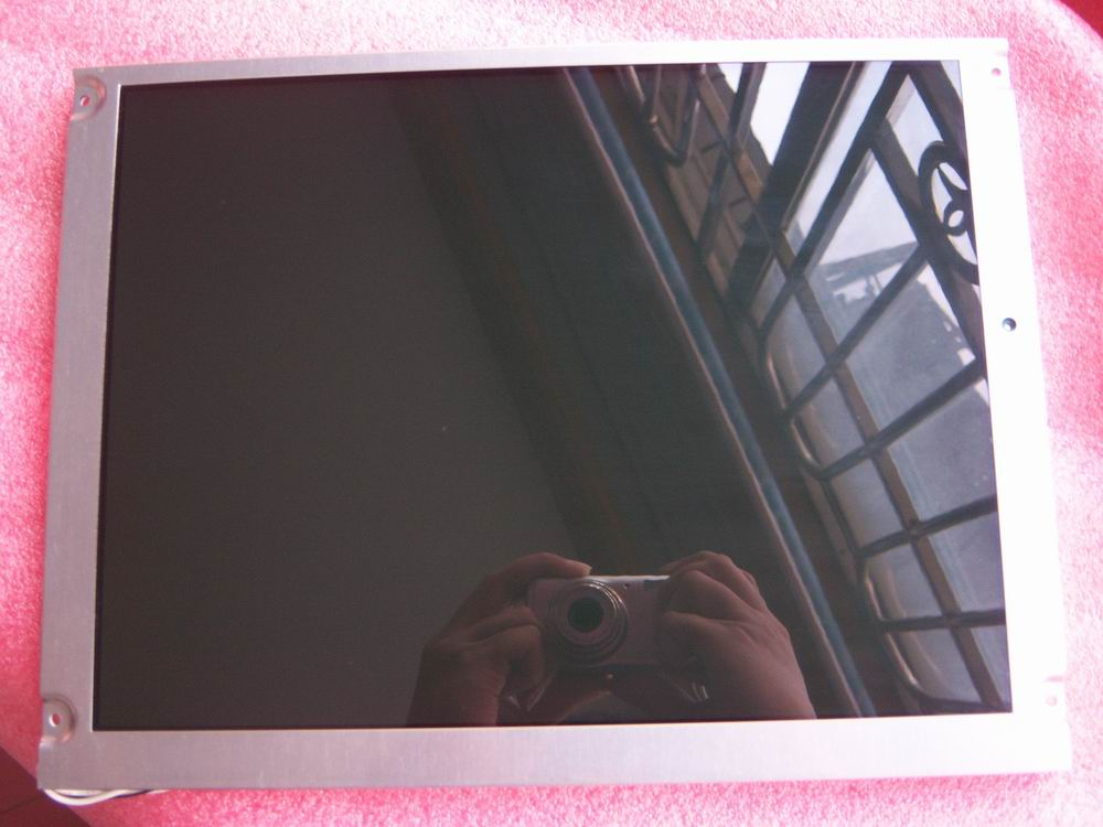 12.1 tft Lcd screen  NL8060BC31-17 used condition , tested ok .12.1 tft Lcd screen  NL8060BC31-17 used condition , tested ok .