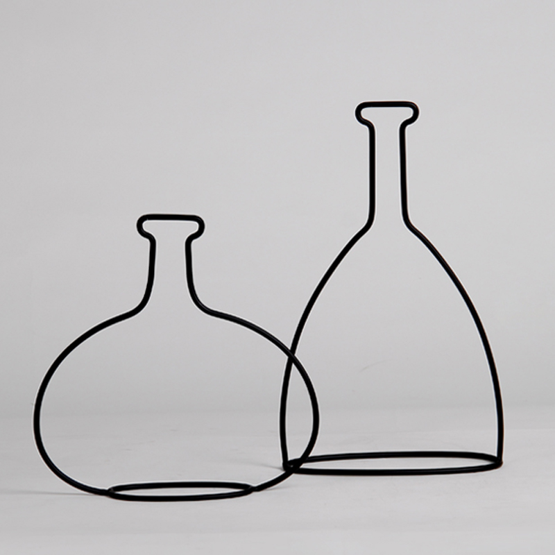 Hot Sale Wine Bottle Shape Decoration Modern Style Home Ornament Accessories Metal Crafts for Furnishing Ornament On Sale