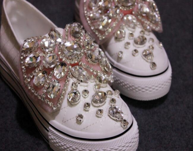 ФОТО Pink Butterfly Knot Rhinestones Embellished Women Canvas Causual Shoes Slip on Lazy Shoes thick Bottom Woman Flats Zapatos Mujer