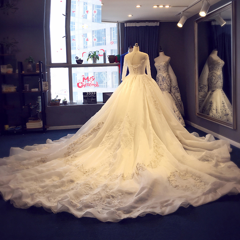Popular royal ball gowns buy cheap royal ball gowns lots for Wedding dress display at home