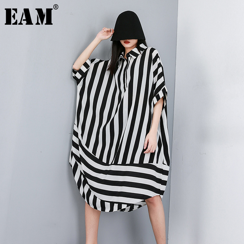 [EAM] 2020 New Spring Summer Lapel Half Sleeve Black Striped Printed Split Joint Big Size Shirt Women Blouse Fashion Tide JW574