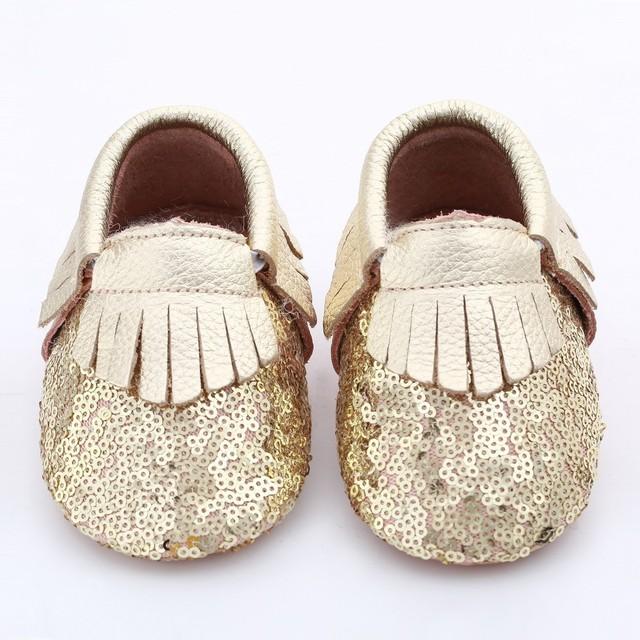 2016 Novo design de lantejoulas sapatos de Bebê de Couro Genuíno luz bebe Que Bling Bling Do ouro Tassel mocassins sapatos Da Criança Do Bebê Primeiros Caminhantes Sapato