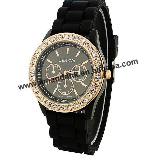 c5ac0a33b 1000 قطعة/الوحدة كبيرة للبيع أزياء النساء رجل السيدات الساعات حجر الراين  جنيف المرأة ووتش