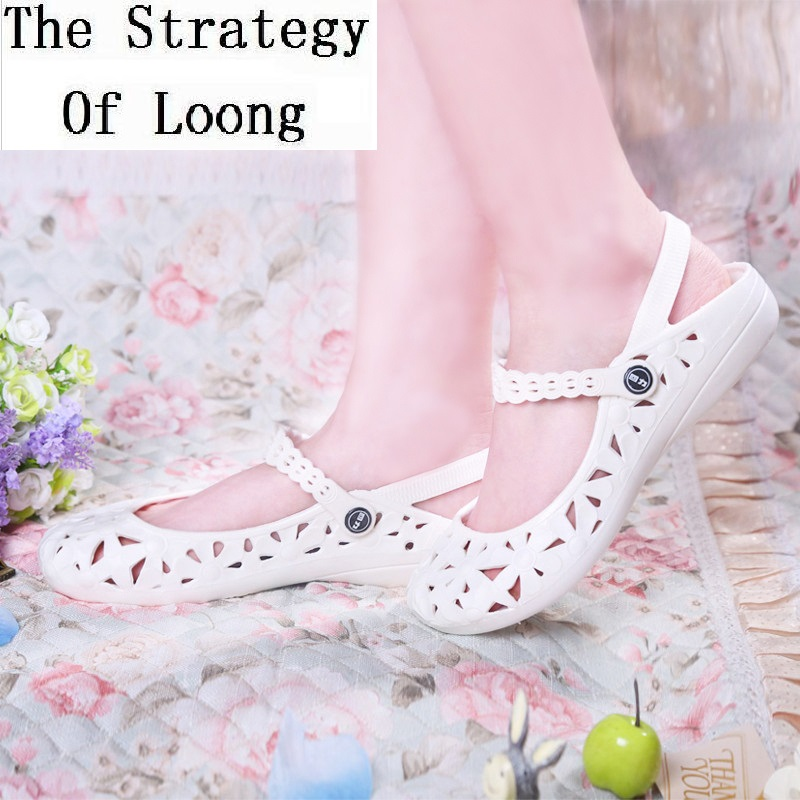 New Hollow Shallow Soft Soles Summer Women Shoes Slip On Flat Heels Back Strap Crocs One Character Buckle Sandals 20181214