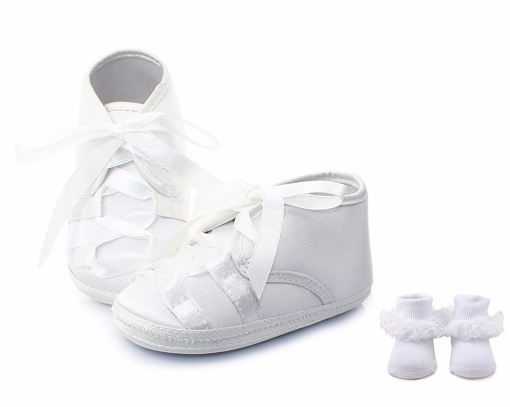 Delebao White Cross-tied Lace Lace-up Haut-top Christening Baptism Newborn Baby Girl Shoes + Socks For 0-12 Months