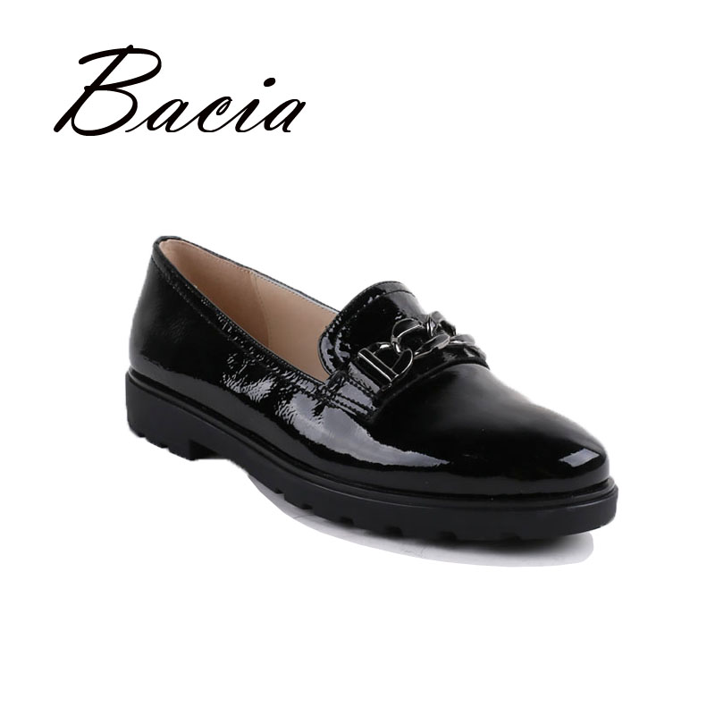 Bacia Loafers Handmade Leather Ladies Shoes Full season Soft Light Casual Women Flats Metal Chian Decorated Black Shoes  VC005 women ladies flats vintage pu leather loafers pointed toe silver metal design