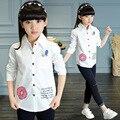 Печатные школы девушка блузка 2016 осень маленький большие девочки с длинным рукавом блузка детская одежда белый узор блузка детская одежда