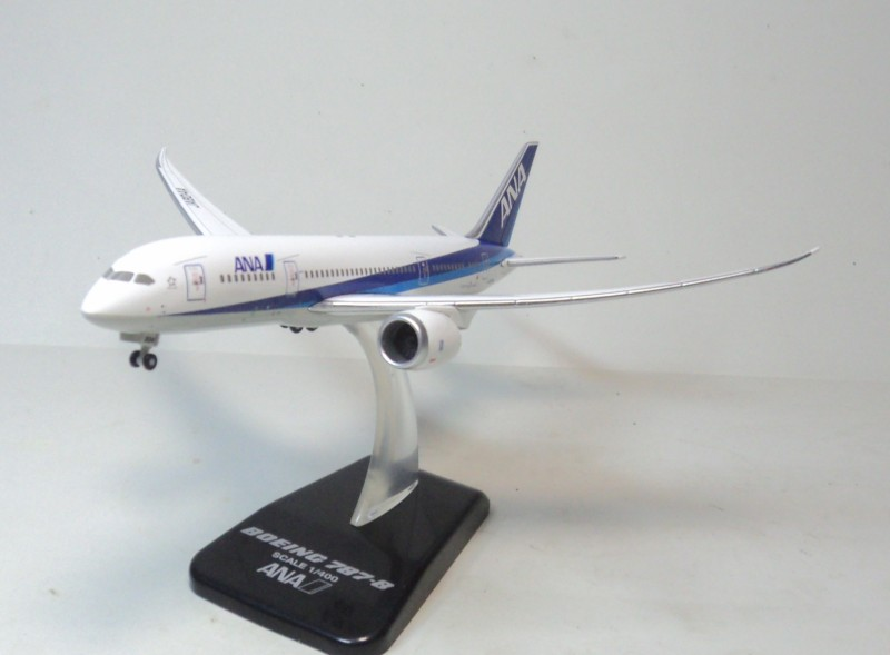 цена Hogan 1:400 ANA 787-8 ja804a aircraft model aircraft flying dream ana. онлайн в 2017 году