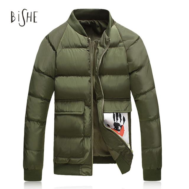 2017 Parkas de Invierno Verde Del Ejército chaqueta de bombardero de Los Hombres Escudo chaqueta Básica Fresco Bolsillos Cremallera Acolchada Chaquetas Biker Streetwear M-5XL