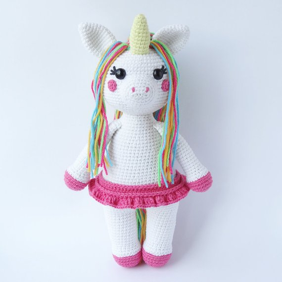 Unicorn Dreams Baby Blanket Free Crochet Pattern - A More Crafty Life | 570x570