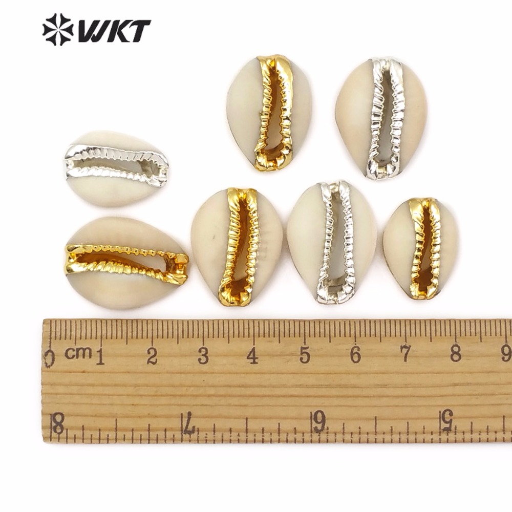 WT JP119 Wholesale Classic Shell Pendant Natural Sea Shell White Cowrie Shell with Gold Silver Dotted Women Jewelry Accessories in Pendants from Jewelry Accessories