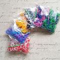 6 Pacotes/Lote de Dois Tons Pulseira De Borracha DIY Bandas Tear Recargas Kit (300bands + 300 s-clips + 1 pc Gancho/Pack)
