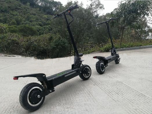 11inch electric scooter 60V 3200W electric scooters Double motor electric skateboard Latest