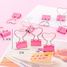 купить 100Pcs Pink Clip Heart Hollow Out Metal Binder Clips Notes Letter Paper Clip Office Supplies дешево