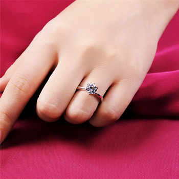 Manufacturer wholesale claw stone gold color ring Austria crystal zircon ring Christmas gift wedding women jewelry rings R096 4