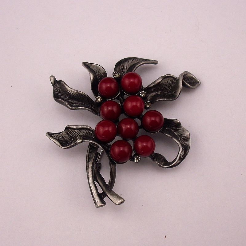New Fashion Black Tone Handmade Beaded Tin Alloy Retro Style Jewelry Pins With Red Stone Trendy