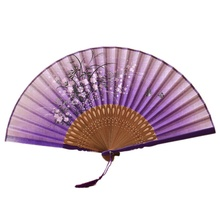 1 Uds abanico de mano Multi-estilo de dibujos animados y Vintage Flor de seda china impresión hueco plegable tallado abanico de mano accesorios para eventos y fiestas