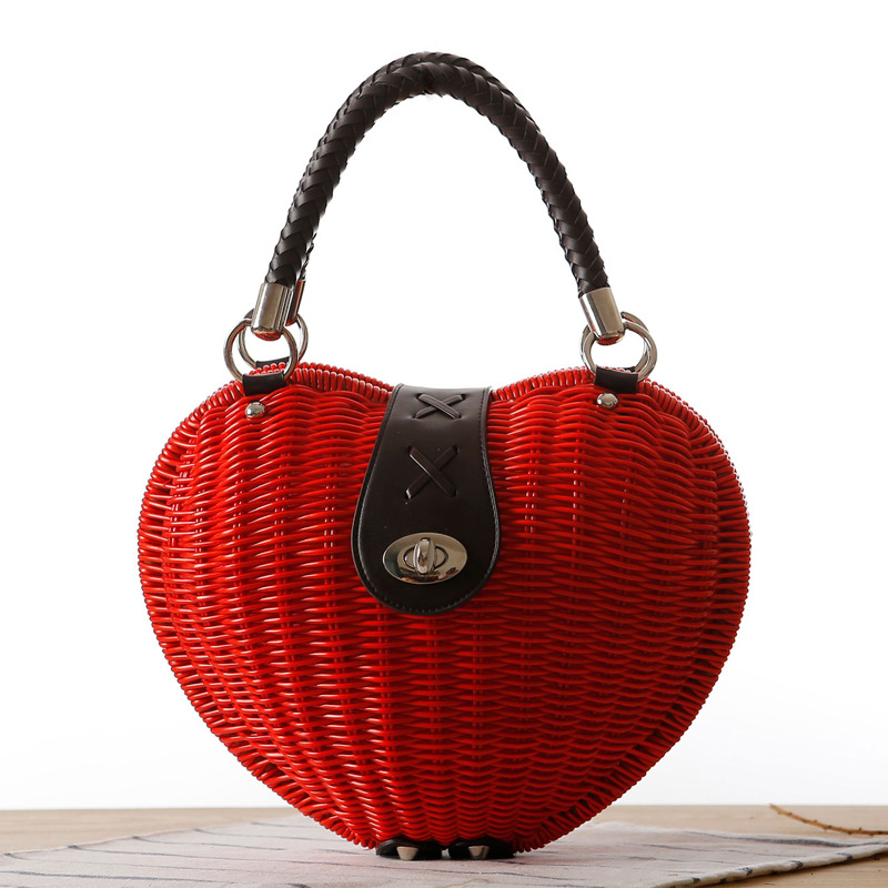 2018 New Fashion Pepper love heart rattan bag Japanese Style hand-woven Beach bag Handmade woven straw bag Women Tote handbags japanese bamboo woven bag mobile wallet storage bag shoulder bag hand woven retro art backpack a4533