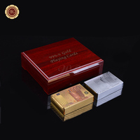 Wr الذهب الفاخرة ديكور المنزل 500 اليورو دفع بطاقات 24 كيلو 999.9 الذهب ورقة احباط اليورو المال نمط بطاقات كازينو رقاقة في الأحمر صندوق خشبي