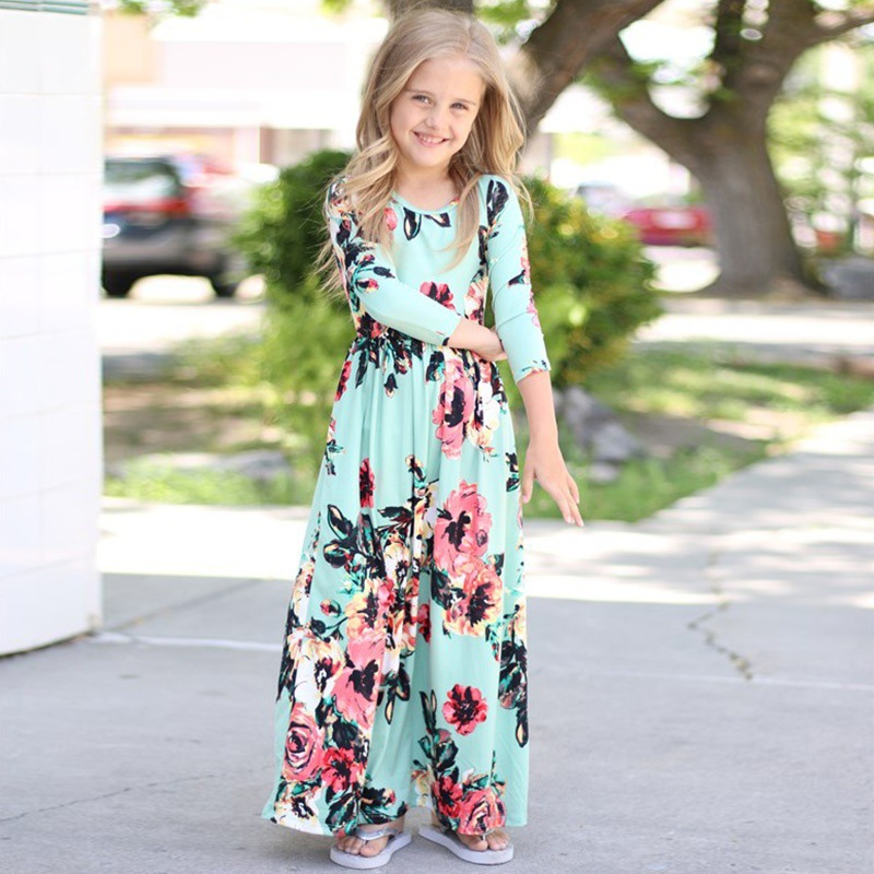2017 autumn new European and American hot childrens clothing, long sleeve printed long dress, European and American autumn chil