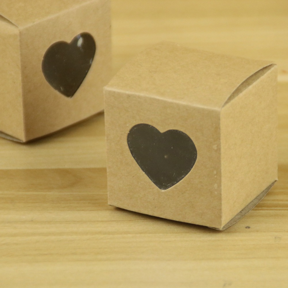 50pcslot 5*5*5cm Kraft Paper Candy Boxes Small Kraft Paper Cake Box Packaging Box with Heart Window Home Decoration