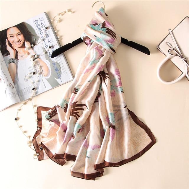 4dc7018693c7f 2018 femmes mode Foulard en soie impression numérique grande taille belle  Animal châle & Wrap marque