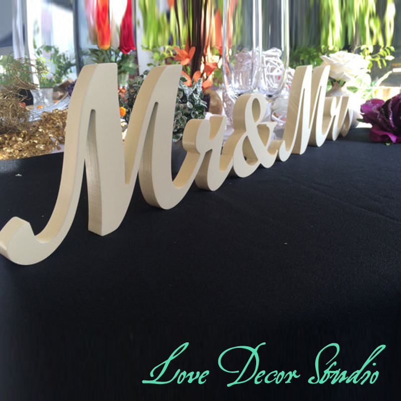 Pure white mr&mrs sign set. Wedding sign set. Sweetheart table decor wooden signs.