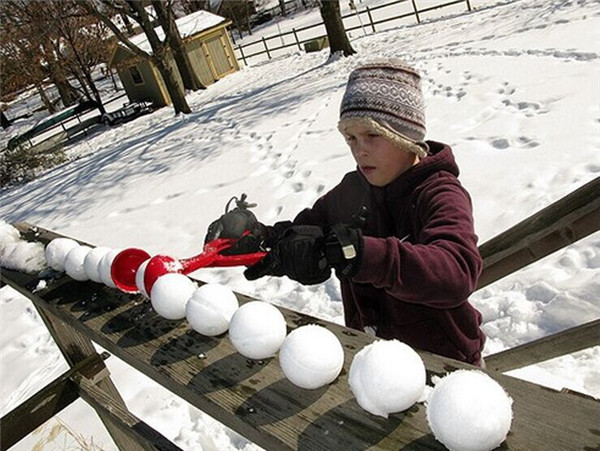 2pcs Christmas Winter Snow Ball Clip Toy Maker Sand soil Mold Tool Kids Compact Scoop Fight Outdoor Game Play Sports Gift Skiing