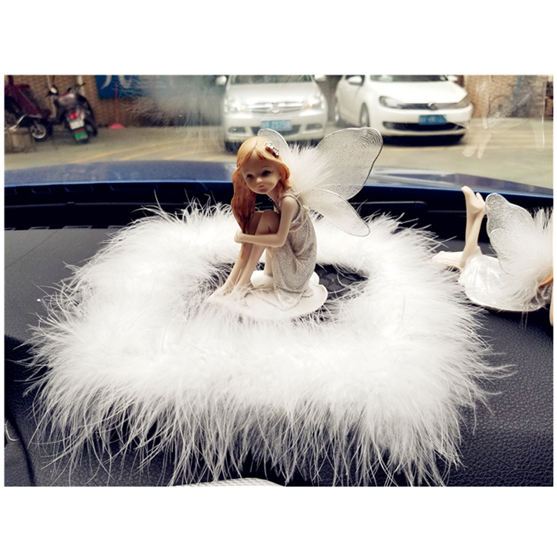 1PC Little Angel With Wings Car Interior Ornaments Lovely Cartoon Decoration Car accessory Auto Decor White Fur Non-slip Mat