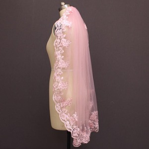 Image 2 - Real Photos One Layer Pink Lace Short Wedding Veil with Comb Beautiful 1 Meter Bridal Veil Voile De Mariee 100CM