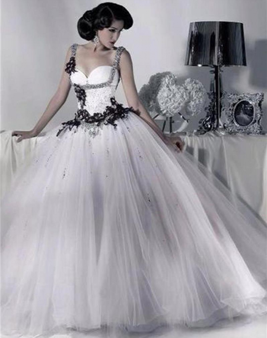Popular victorian wedding dresses buy cheap victorian wedding - Victorian Gothic Wedding Dress 2014 Tulle Ball Gown Bridal Bride Lace White And Black Wedding Dress