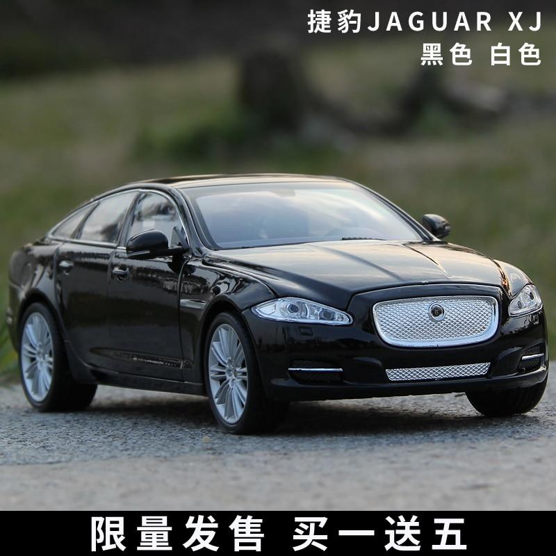 Die-cast Metal Vehicles 1:24 Car Models Coche mkd3 Scale Simulation Auto Toys for Children 2010 Jaguar XJ XF