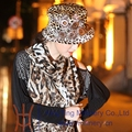 Бесплатная доставка новинка зимой бархат установить широкими Birm цветочные Hat женщины шали теплый животных шарф леопарда женщин шлема платья шаль