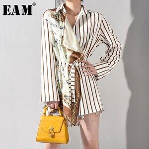 Image 2 - [EAM] 2020 nowa wiosna jesień Lapel długim rękawem wzór w paski drukowane nieregularne koszula w dużym rozmiarze kobiety bluzka moda JQ4900