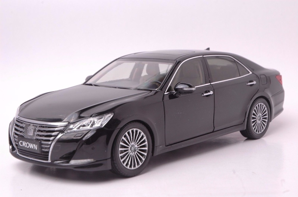 1:18 Diecast Model for Toyota Crown 2015 Black Alloy Toy Car Miniature Collection Gifts масштаб 1 18 toyota crown 2015 diecast модель автомобиля черный