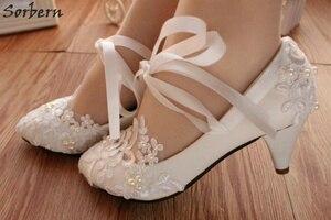 Image 3 - Sorbern אופנה לבן חתונה נעלי חתלתול גבוהה עקבים נשים משאבת עקבים פטנט עור תחרה אפליקציות חרוזים כלה נעלי 2018